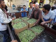 سوق خانيونس المركزي جنوبي قطاع غزة
