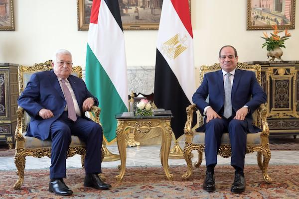 الرئيس الفلسطيني محمود عباس (أبومازن) ، يلتقي بالرئيس المصري عبد الفتاح السيسي في القاهرة تصوير ثائر غنايم