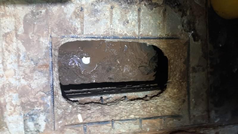 صورة النفق المستخدم أسفل المغسلة في سجن جلبوع